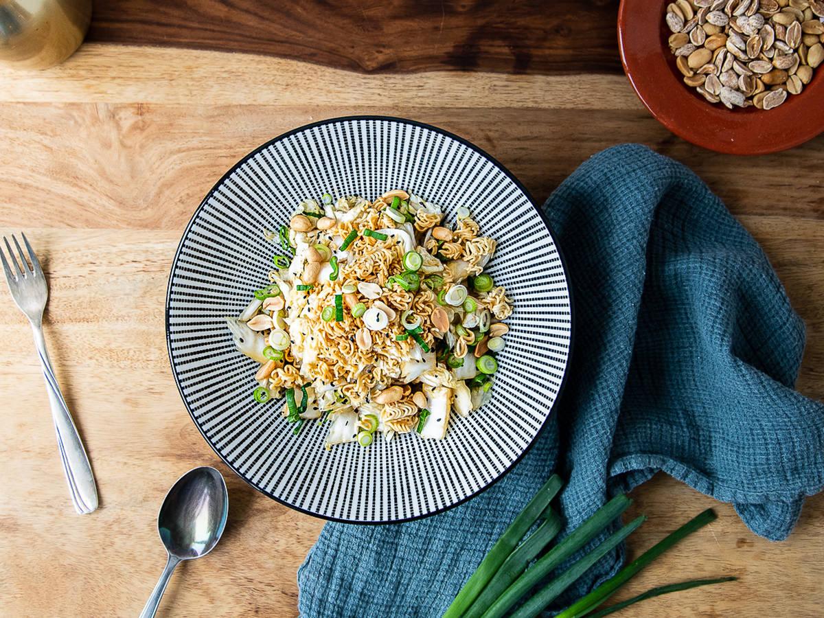 Yum Yum Salat mit Chinakohl