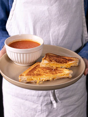 5-ingredient grilled cheese and tomato soup
