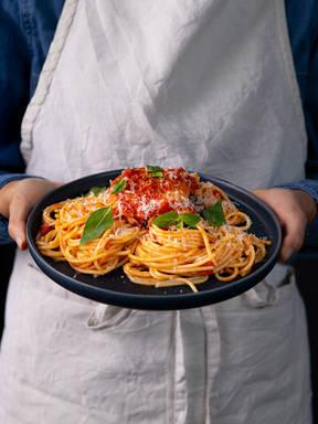 五品烩番茄沙司意面佐水波蛋