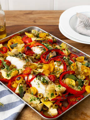 Fischfilet à la Provence mit Oliven, Tomaten und Artischocken
