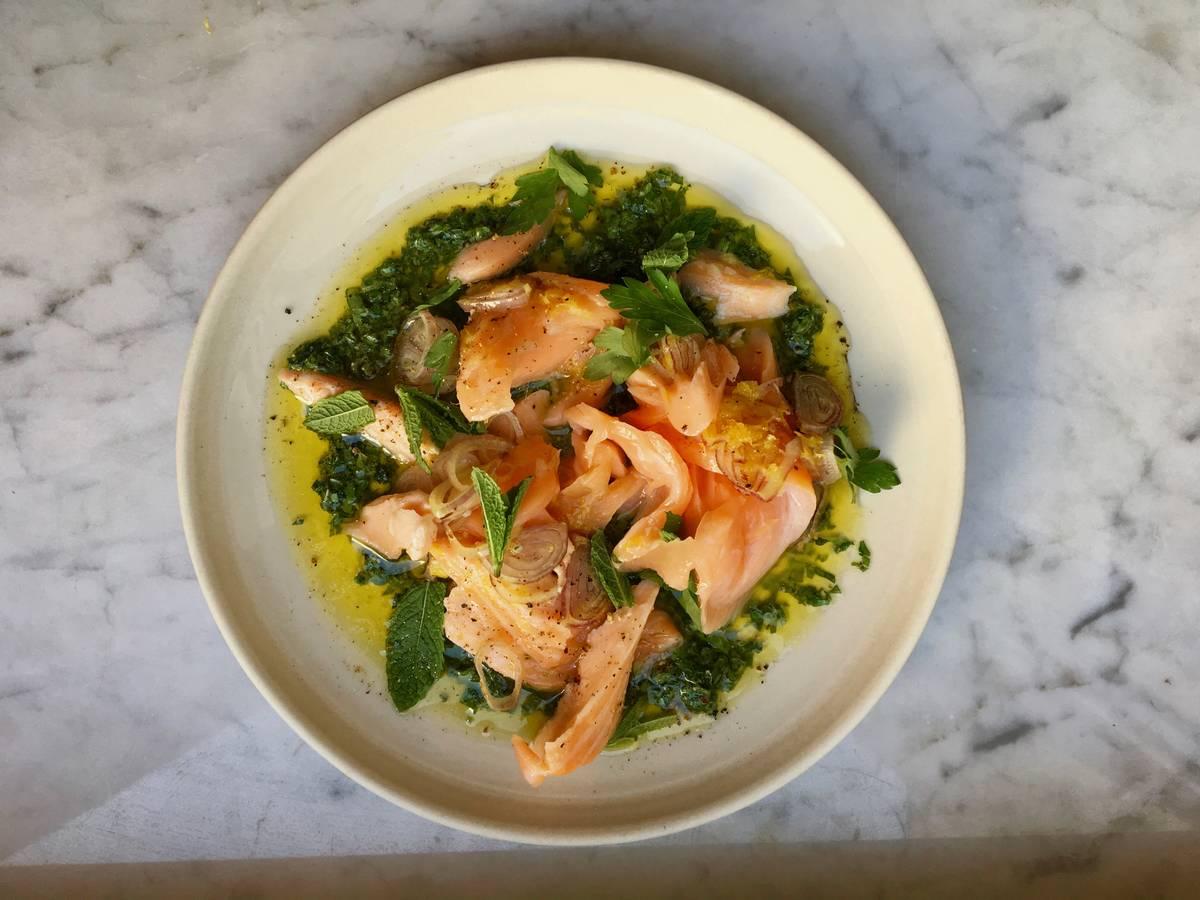 Gebackener Lachs mit Bärlauch-Salsa-Verde