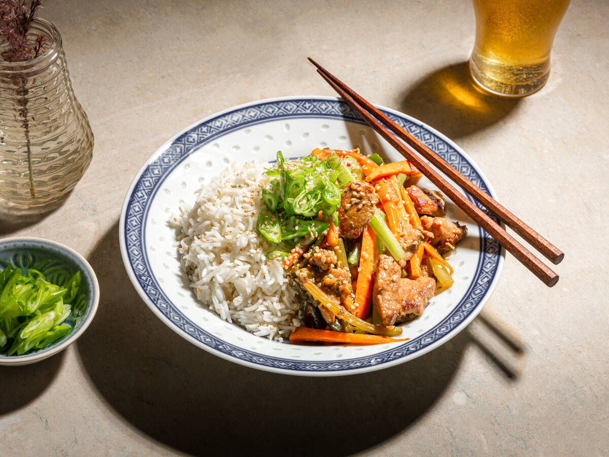 Sliced pork and carrot stir-fry