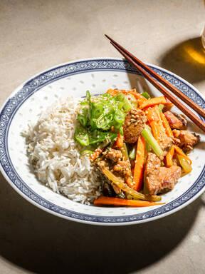Sliced pork and carrot stir-fry