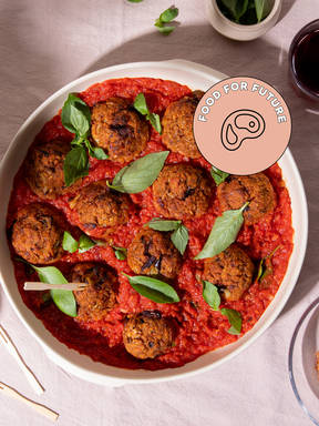 Meatless meatballs with tomato sauce
