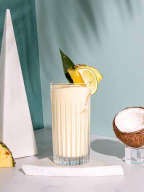 Ananas-Kokos-Shake mit Creamlikör