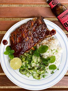 BBQ Spare Ribs mit Gurkensalat