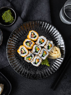 Uramaki sushi (Inside out rolls)