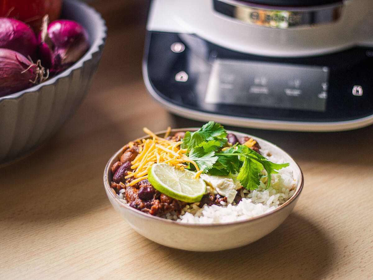 Pulled Beef Chili mit Guacamole mit dem Cookit