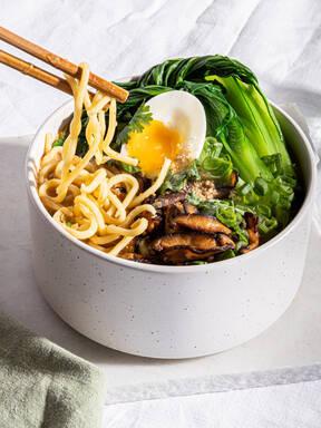 Feel good vegetarian miso ramen