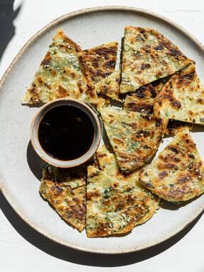 Chinese wild garlic pancake