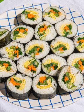 Make kimbap with Devan