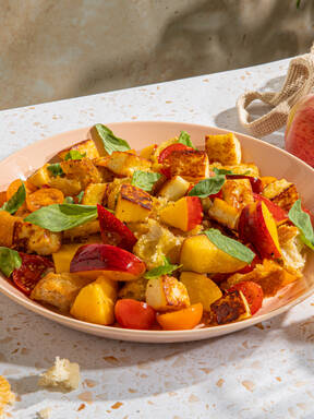 5-ingredient panzanella with nectarines and halloumi