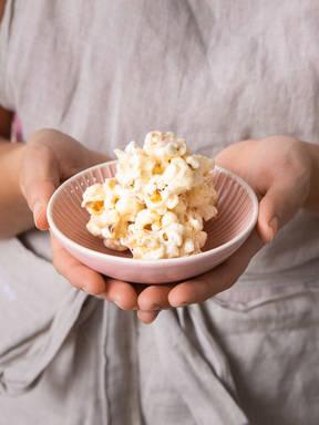 Vanille-Popcorn-Kugeln mit 3 Zutaten