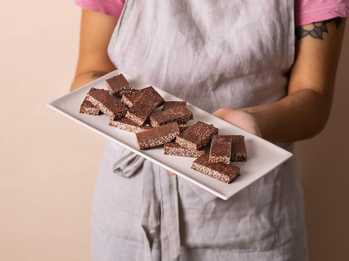 三料甜点巧克力芝麻酱脆脆棒