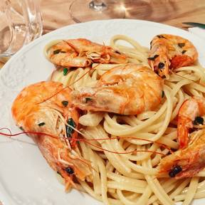 Angel hair pasta with shrimp in white wine sauce