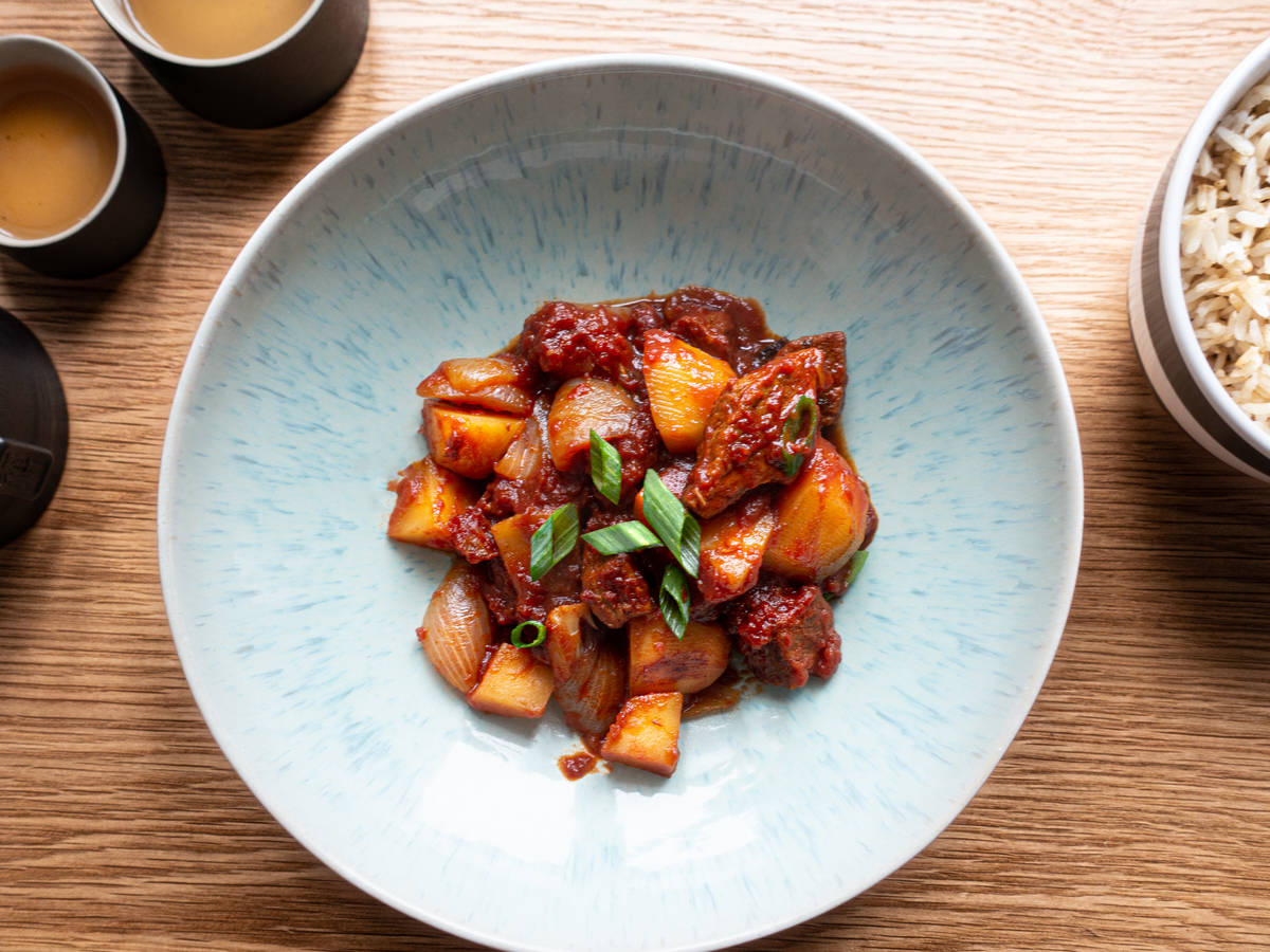 Chinese beef stew with canned tomatoes and potato