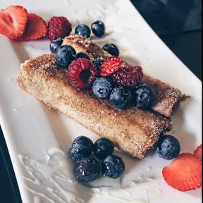 French-Toast-Berry-Rolls