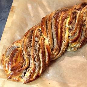 German sweet braided nut bread