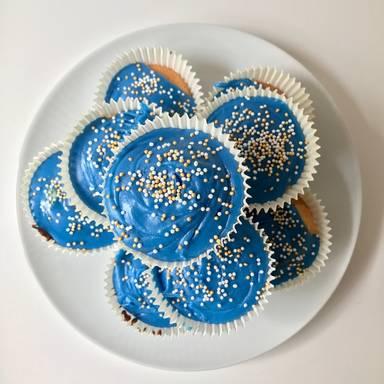 Jam-filled cupcakes
