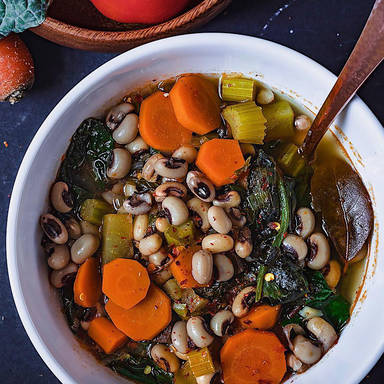 Weiße Bohnen-Gemüsesuppe