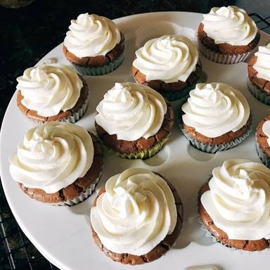 Mini flourless chocolate cupcakes