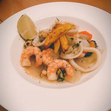 Steamed mussels with shrimp
