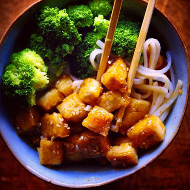 Sicky tofu rice noodle bowl