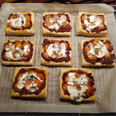 Tomaten-Ziegenkäse-Tartes